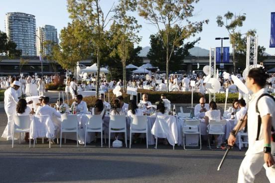 dinner-en-blanc00002